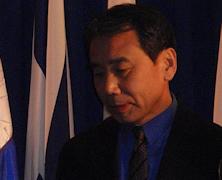 """Haruki Murakami ustępuje w """"starciu"""" z małym miasteczkiem"""