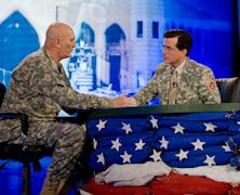 Stephen Colbert dołącza do konfliktu Amazona z Hachette