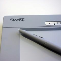 Entuzjaści nowych technologii jednak wolą papier od ebooków