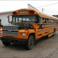 U nas wesoły kierowca, a w Kanadzie zakaz czytania w autobusie