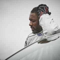 """Idris Elba zagra Rolanda w ekranizacji """"Mrocznej wieży""""?"""