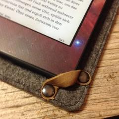 Dlaczego ebook czasem jest droższy od książki papierowej?