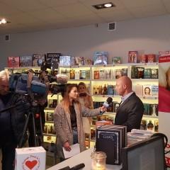 TaniaKsiazka.pl otwiera stacjonarną księgarnię! Ceny jak w internecie